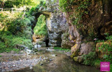 Grotte di Ara